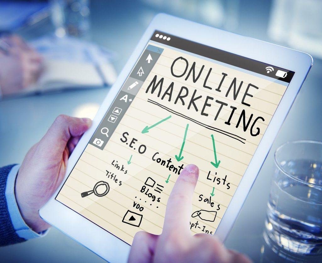 Faire appel aux services d'une agence webmarketing à Rennes